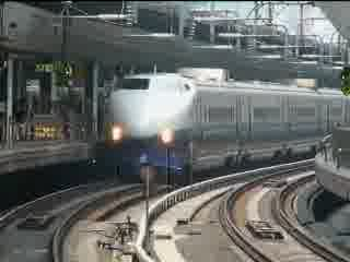 消え行く北へ向かう新幹線 200系 400系