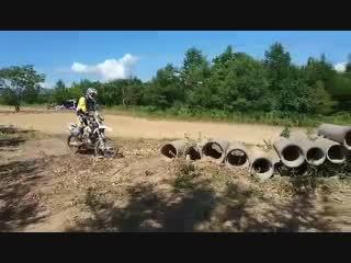 バイク土管遊び2。