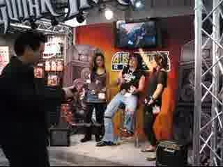 【CES 2008】エアギターアイテムの「Guiter Hero」