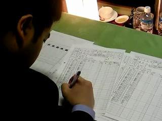 第60期王将戦第6局1日目 豊島六段が封じて記録係が記入