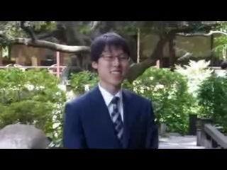 <本因坊>井山初防衛 一夜明けて会見